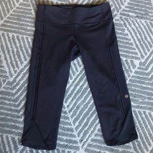 Lululemon Run: Top Speed Crop -black